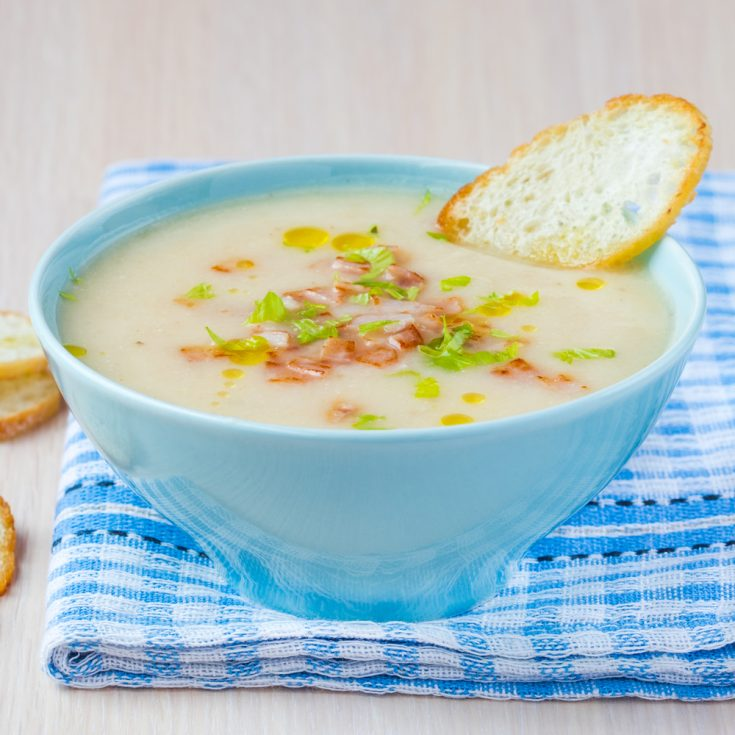 bowl of creamy potato soup