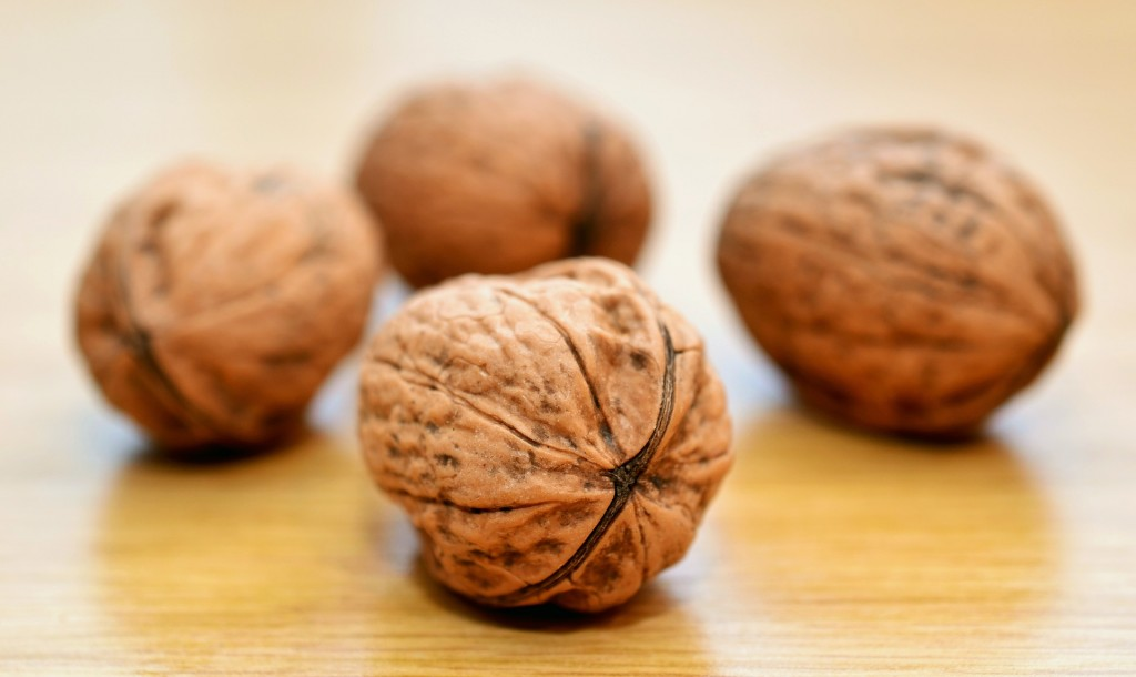 10 Amazing Health Benefits of Eating Walnuts!