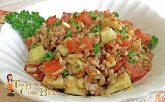 quick and healthy meal idea multi-grain Garden Salad