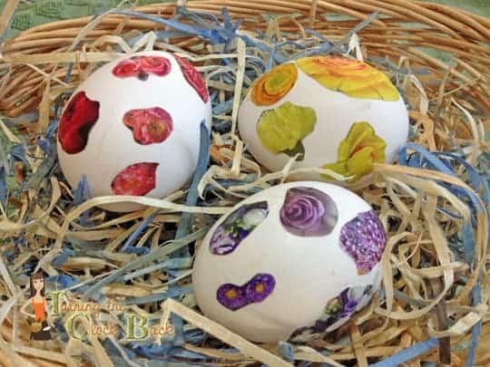 Easy Easter Craft decoupage easter eggs