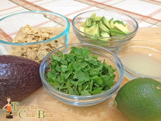 chicken and avocado soup toppings