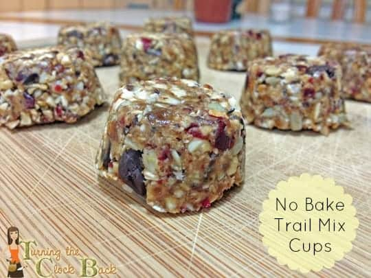 easy-trail-mix-cups-with-banner