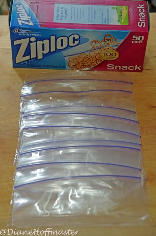 Using ziploc bags for DIY oatmeal packets 2