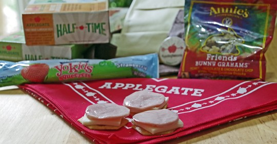 Skip the Cafeteria's School Lunch and Start #LunchingAwesome with Applegate!