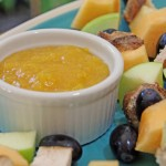 Easy Kid Friendly Recipe: Chicken and Fruit Kabobs with Peachy Dipping Sauce  #MonkFruitInTheRaw