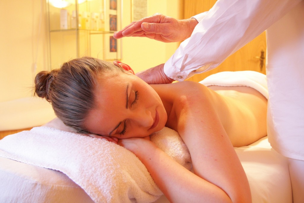 Massage therapy as natural remedies for chronic pain