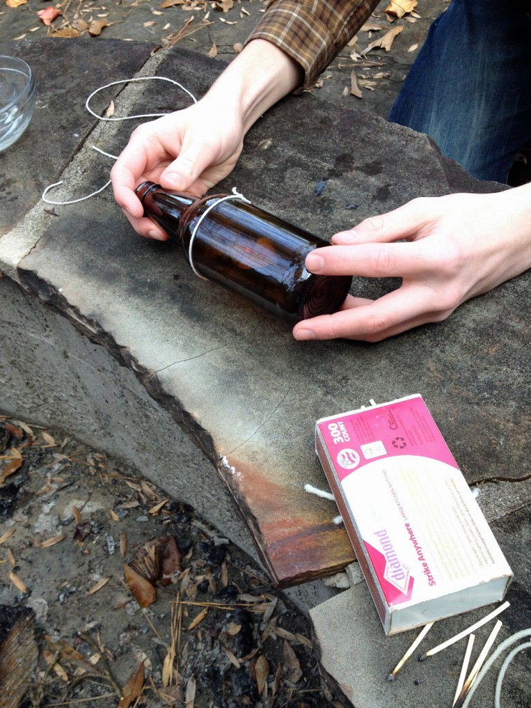How to cut a glass bottle with string upcycling project