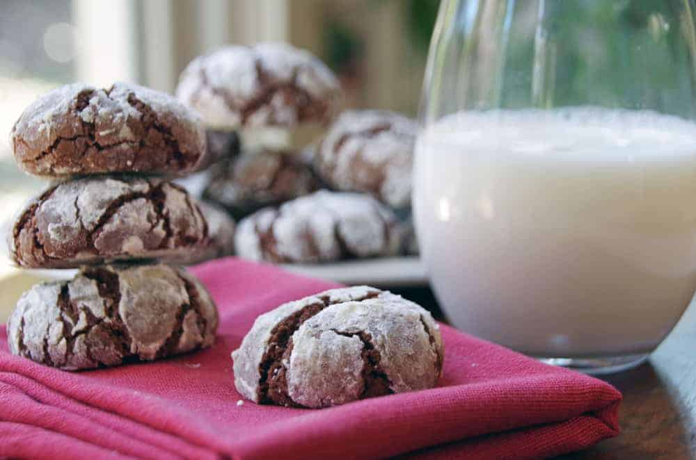 Easy Chocolate Crinkles Christmas Cookie Recipe