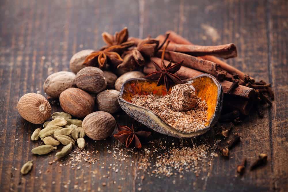 Mix of spices nutmeg, cinnamon, star anise, cloves, cardamom